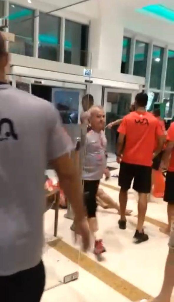 Em Natal, torcedores do América invadem hotel e entram em confronto com jogadores do Campinense-PB