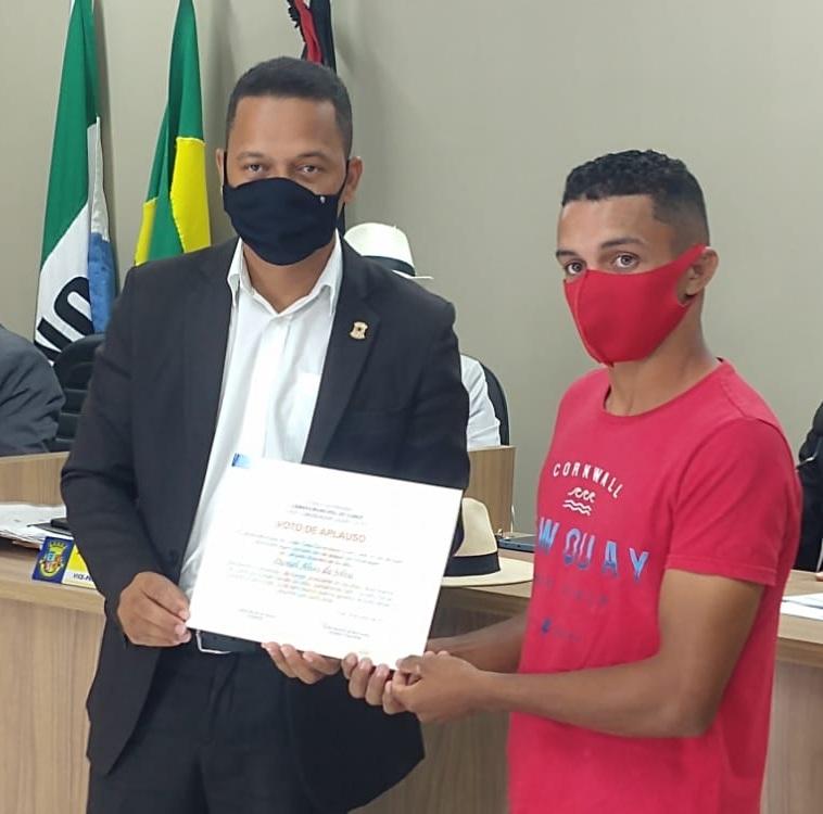 Campeão Brasileiro de Jiu-Jitsu recebe Voto de Aplauso de Vereadores da Cidade de Conde