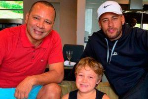 """Depois da irmã, pai de Neymar também chama Galvão de """"idiota"""""""